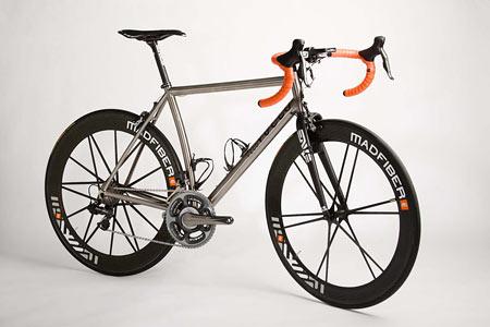 Vuelo Velo: Vuelo 8 Titanium Road Bike