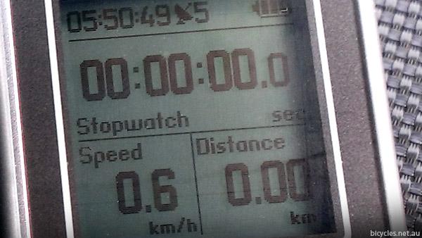 igotu gps cycle computer display