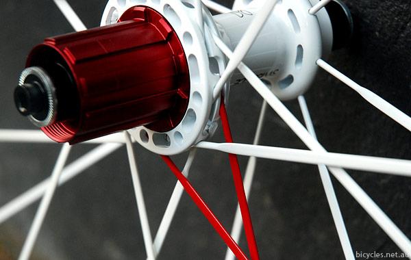 SwissSide Road Wheel Poke Lacing Profile