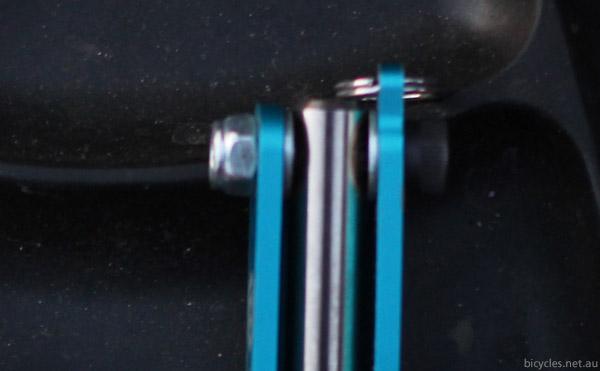 Protruding bolt