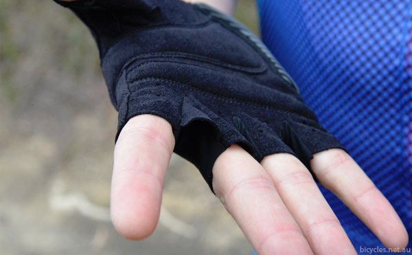 webbed cycling gloves