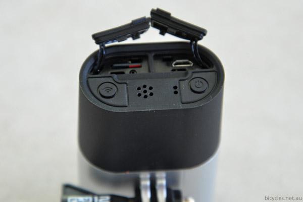 fly12 light camera charging