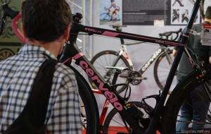 Showrooming Bike Shop
