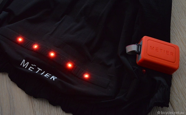 metier rear lights vest jacket