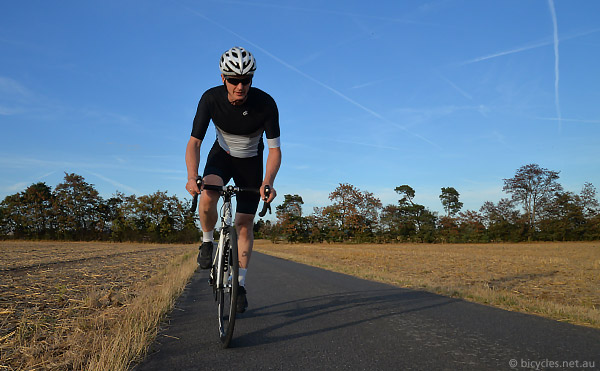 b10e37509 Are Zipperless Cycling Jerseys the Future  Champion System Tech ELITE Review